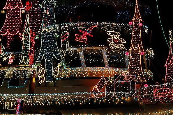 & Canton Missouri Parade of Lights Planned