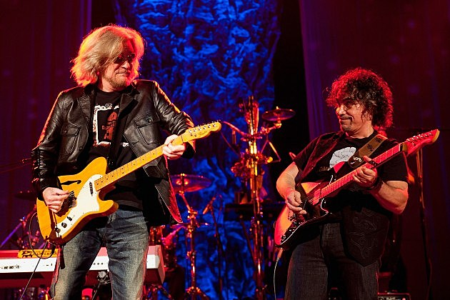 Hall & Oates In Concert