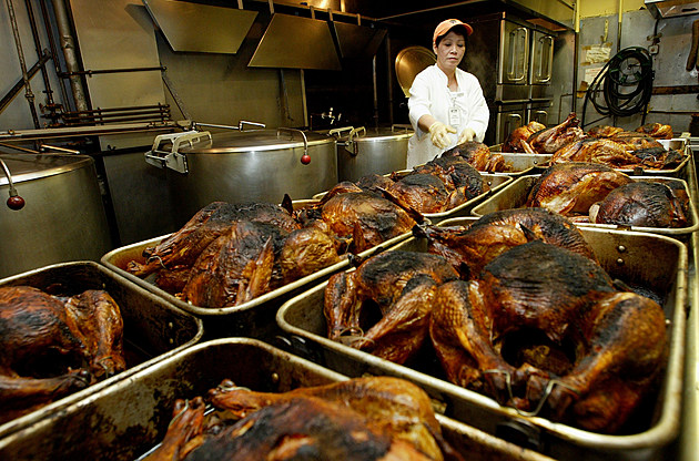 San Francisco Church Prepares Thanksgiving Meals For Less Fortunate
