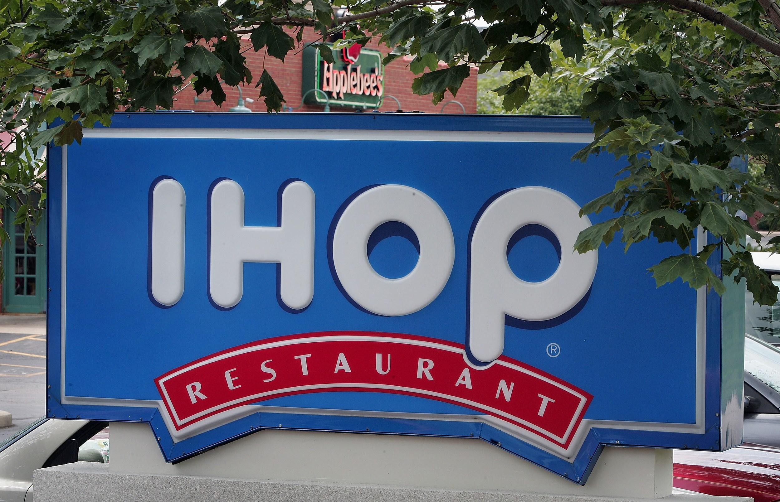 IHOP To Buy Applebees Chain For $1.9 Billion