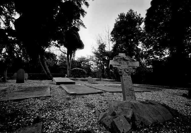 Graveyard, Holland